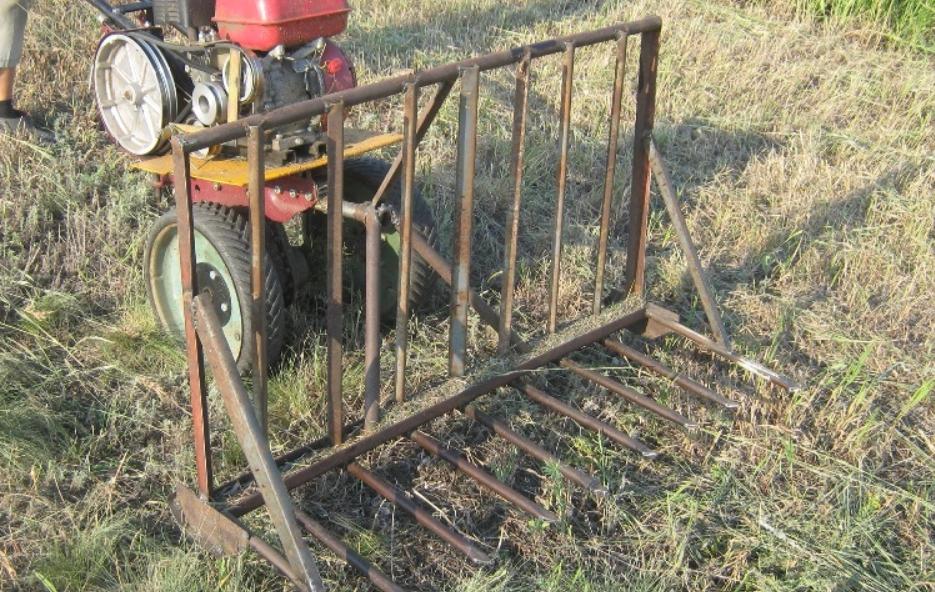 самодельный минитрактор и волокуша для сена волокуша для.