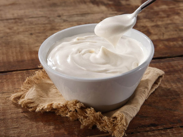 sour-cream-from-goats-milk.jpg