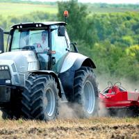 Новые возможности для аграриев: покупка техники через маркетплейс Россельхозбанка